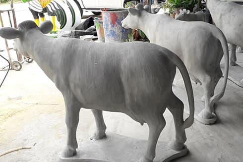 รูปปั้นวัวควาย