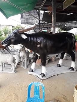 รูปปั้นควายไทย