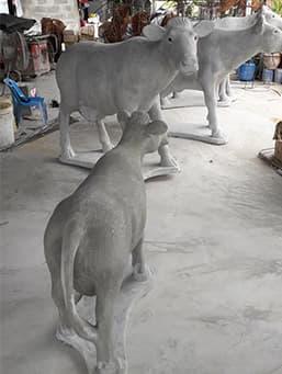 รูปปั้นวัวน่ารัก