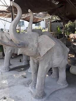 รูปปั้นช้างคู่