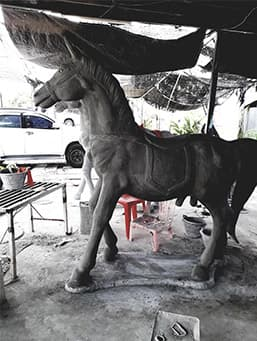 ม้าแก้บน
